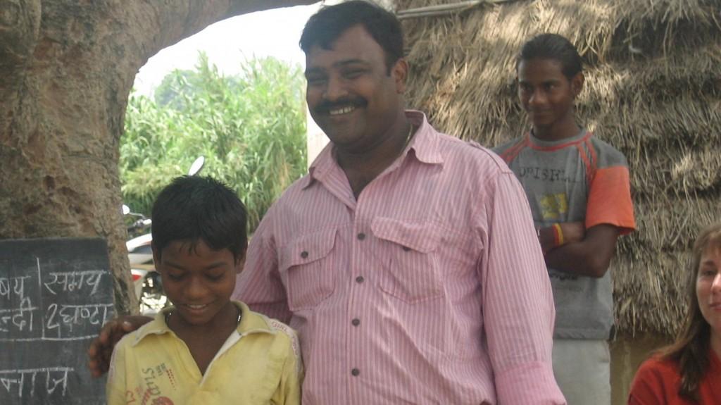 Bhanuja, anti-slavery hero, with women beadmakers and the vigilance committee